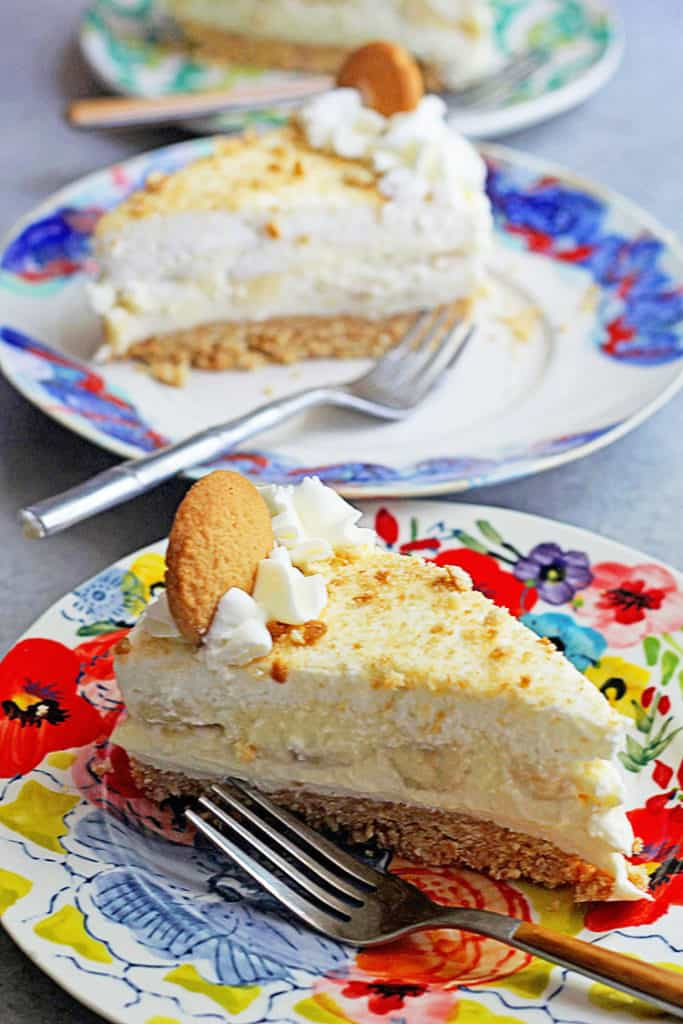 Banana Cream Pudding Cheesecake 3 683x1024 - No-Bake Banana Cheesecake- So Easy and Delicious!