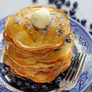 Easy Blueberry Pancakes 1 1 320x320 - Blueberry Pancakes Recipe