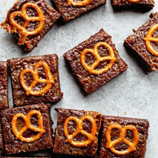 Caramel Pretzel Brownies 2 320x320 - Caramel Pretzel Brownies Recipe