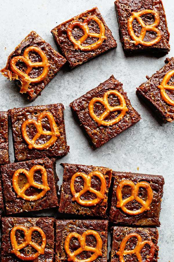 Caramel Pretzel Brownies 2 - Caramel Pretzel Brownies Recipe