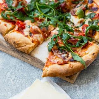 Grilled Prosciutto Arugula Pizza 5 320x320 - Grilled Prosciutto Arugula Pizza Recipe