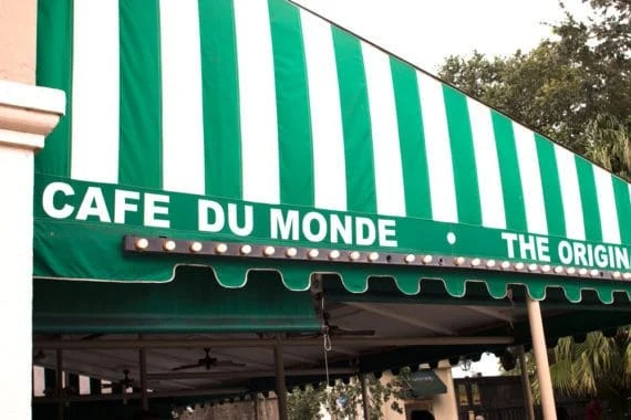 ultimate new orleans foodie experience cafe du monde 3 570x380 - The Ultimate New Orleans Foodie Experience