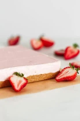 web strawberry cheesecake bars 1 277x416 - No Bake Strawberry Cheesecake (Easy Cheesecake Recipe)