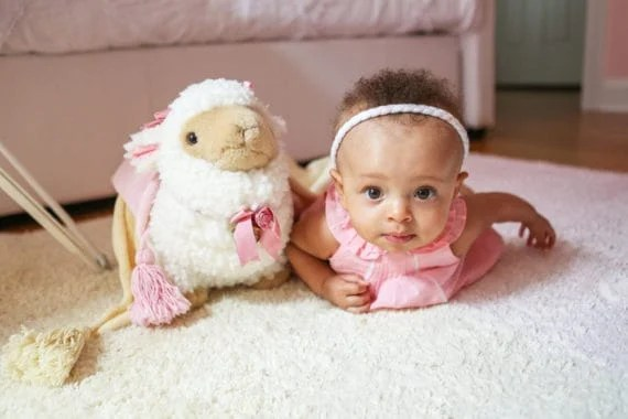baby girl nursery design 7 570x380 - Baby Cakes' Baby Girl Nursery Design