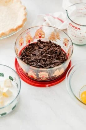 peppermint chocolate pie recipe 2 277x416 - Peppermint Chocolate Pie Recipe