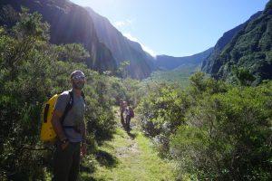 Marche d'approche dans les hauts de la rivière des Remparts