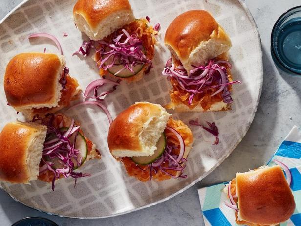 Мини-бургеры с тыквой барбекю