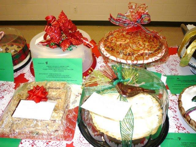 Holiday dessert auction