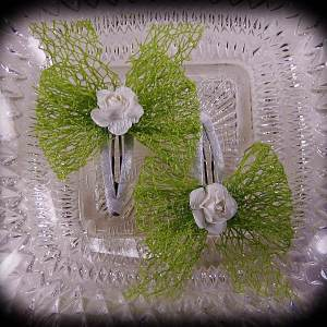 Mesh Ribbon Flower Snap Clippies Apple Green