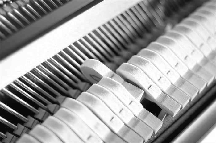 настройка фортепиано пианино минск настройщик