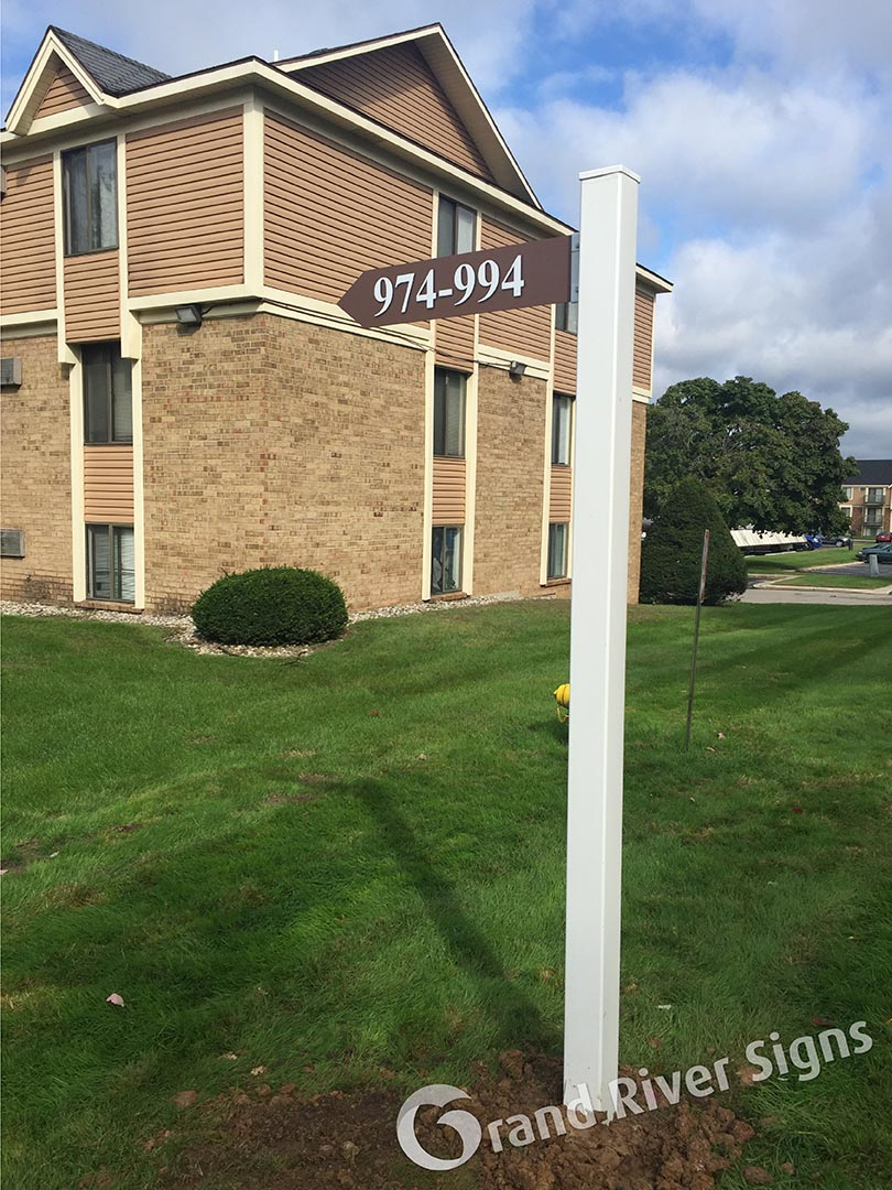 Apartment Buildings and Apartment Complex Signs | Grand ...