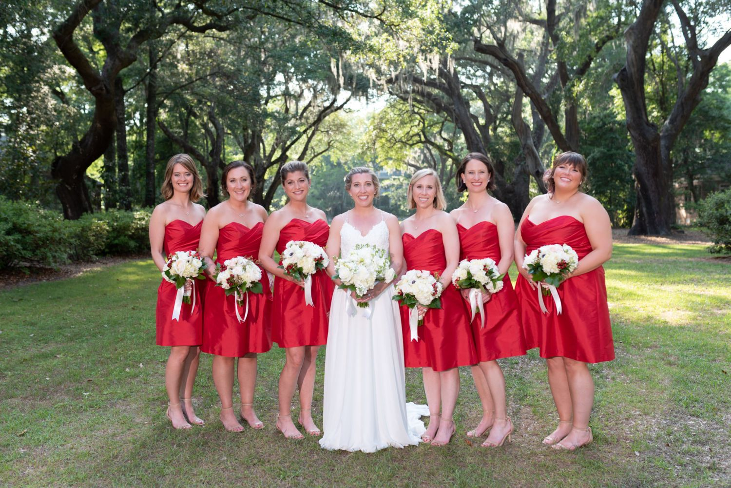Bridesmaids under the oaks - Wachesaw Plantation