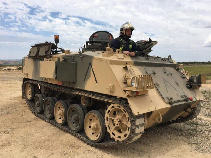 Vehículos de escena alquiler de coches alquiler de camiones vehículos militares tanque JeepHummer 4x4 militar atrezzo militar coches para cine 1 1024x768 - Alquiler de vehículos militares, alquiler de camiones de bomberos.