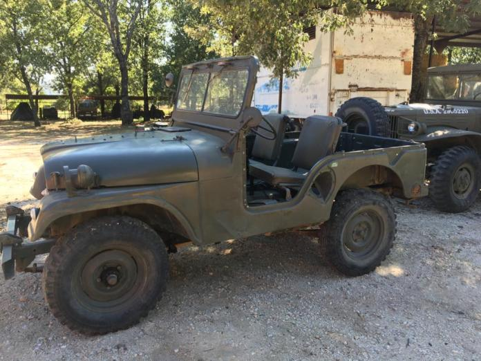 Vehículos de escena alquiler de coches alquiler de camiones vehículos militares tanque JeepHummer 4x4 militar atrezzo militar coches para cine 31 - Alquiler de vehículos militares, alquiler de camiones de bomberos.