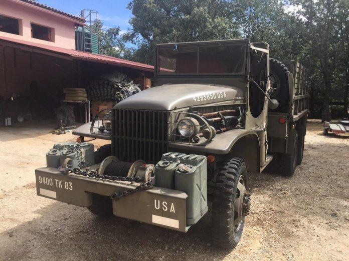 Vehículos de escena alquiler de coches alquiler de camiones vehículos militares tanque JeepHummer 4x4 militar atrezzo militar coches para cine 5 1024x768 - Alquiler de vehículos militares, alquiler de camiones de bomberos.
