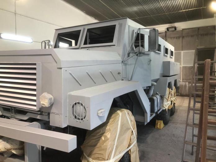 Vehículos de escena alquiler de coches alquiler de camiones vehículos militares tanque JeepHummer 4x4 militar atrezzo militar coches para cine 8 - Alquiler de vehículos militares, alquiler de camiones de bomberos.