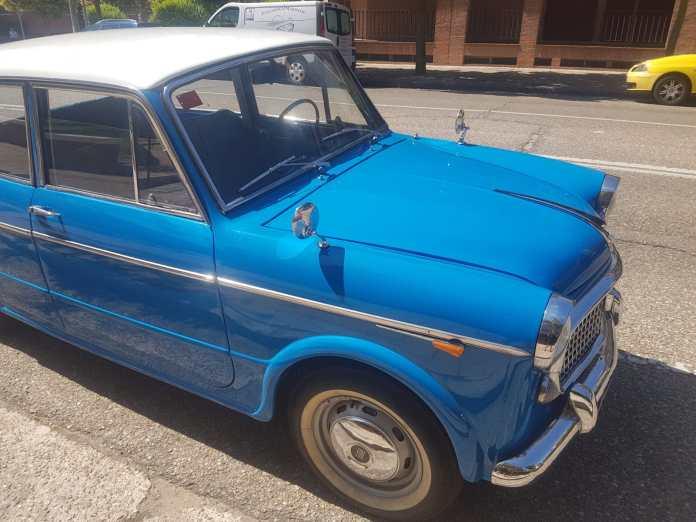 Fiat 1100 Coches alquiler coches de escena vehiculos de escenacoches para alquilar coches clasicos film car - Alquiler coches clásicos para rodajes y eventos.