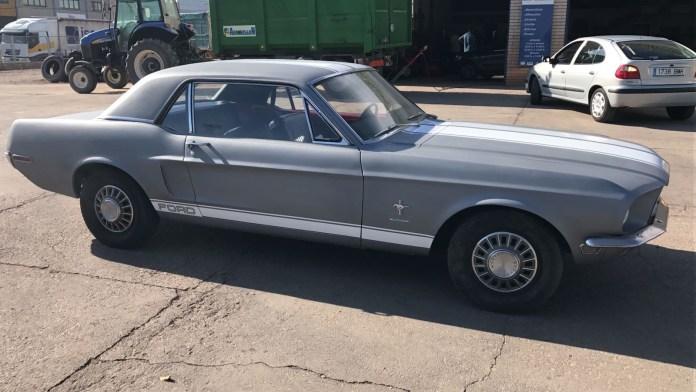 Ford Mustang Coches alquiler coches de escena vehiculos de escenacoches para alquilar coches clasicos film c - Alquiler coches clásicos para rodajes y eventos.