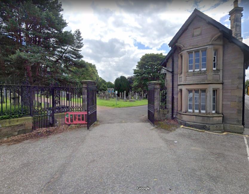 Cemetery entrance (east)