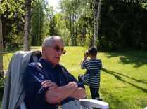 Maj, 2003. Farfar och Olle.