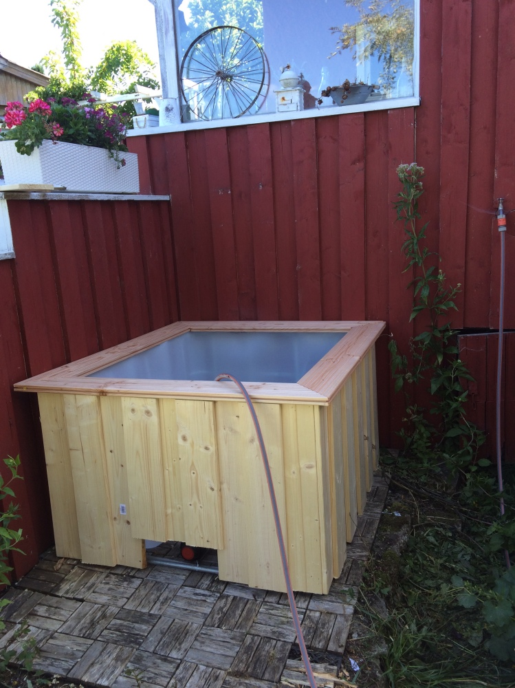 Fast-fertig Mini-Pool aus IBC Tank im Landhausstil