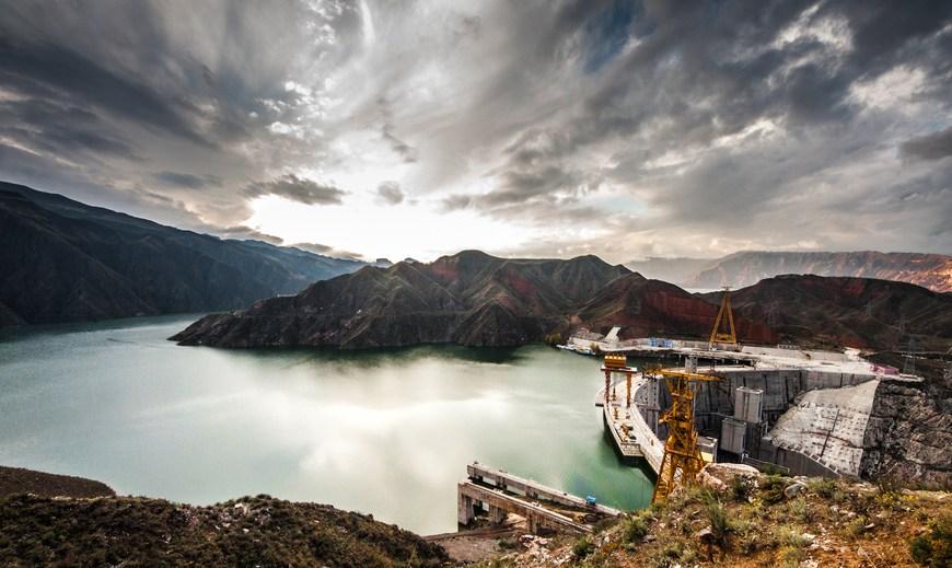 Hydroelectric dam