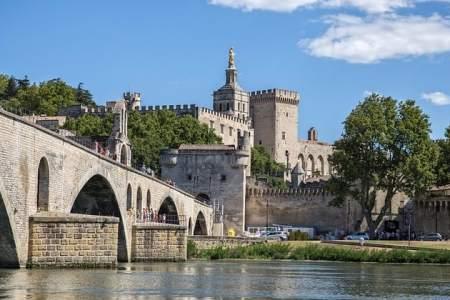 Avignon Wine Tour - bridge-of-avignon
