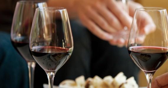 wine tasting in France - Credits Deepix and CIVB