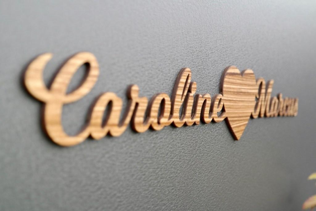 Dekoration Schriftzug aus Holz mit deinen Wunschnamen & Herz