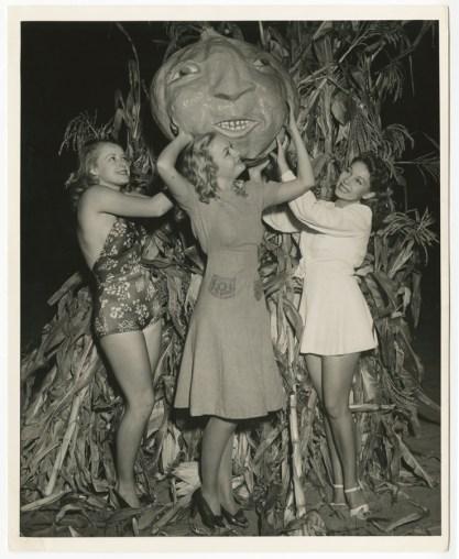 Marjorie Reynolds, Frances Brix, and Mitzi Uehlein 1940s cheesecake