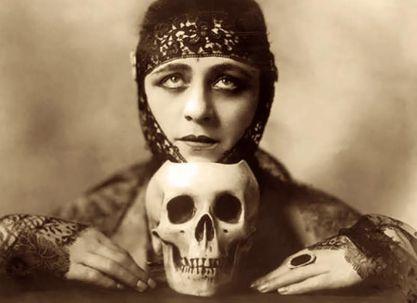 Victorian vamp with skull