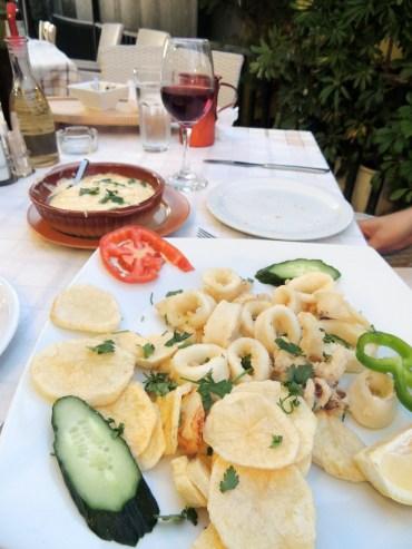 Elpis, Plaka: Calamari and cheese saganaki to start