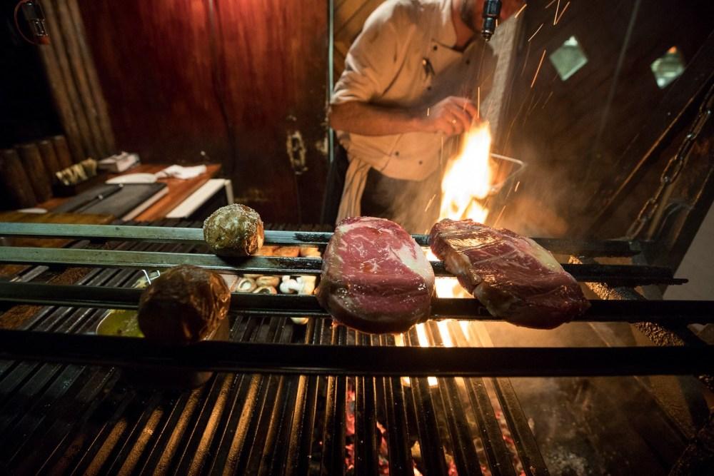 $izzling $teaks, Argentína $tyle: A Parent-Friendly Feast At Reykjavík's Veteran Steak Joint