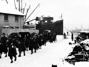 IBC_US_Army_Troops_Arriving_In_Reykjavik_January_1942 copy