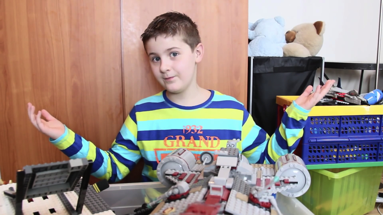 An Autistic ElevenYearOld Is Building The Worlds Biggest Lego - Biggest lego ship