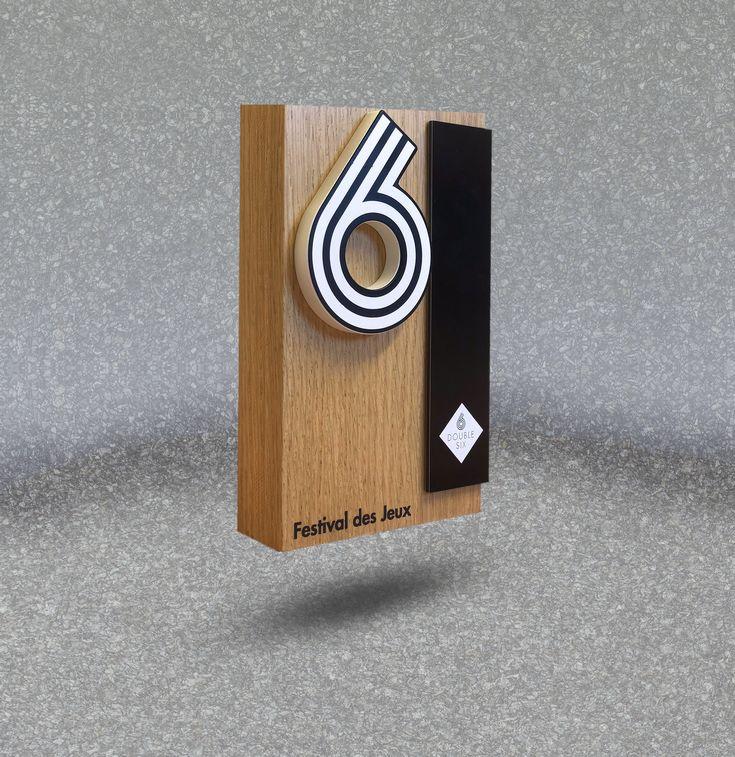 Trophée en bois de chêne design