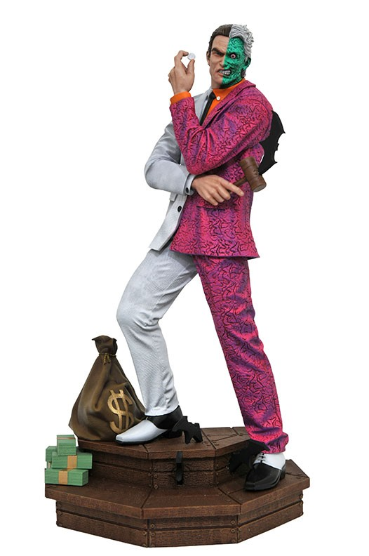 DC Comic Gallery Two Face PVC Diorama