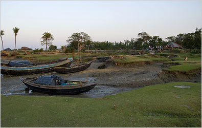 Sea's Rise in India Buries Islands and a Way of Life