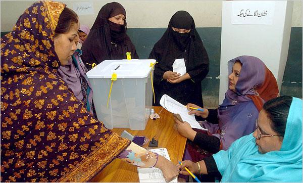 After a Violent Campaign, Pakistan Votes