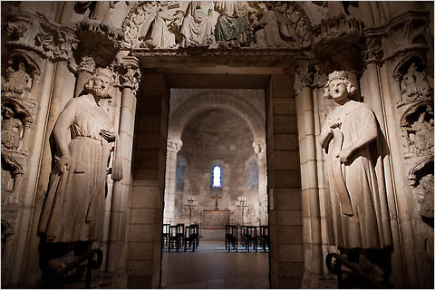 https://i2.wp.com/graphics8.nytimes.com/images/2010/08/31/nyregion/sendoffcloisters1/sendoffcloisters1-blogSpan.jpg