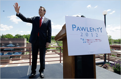 Former Minnesota Governor Tim Pawlenty spoke at a town hall meeting in Des Moines, Iowa Monday, his first campaign appearance since announcing his bid for the Republican nomination.
