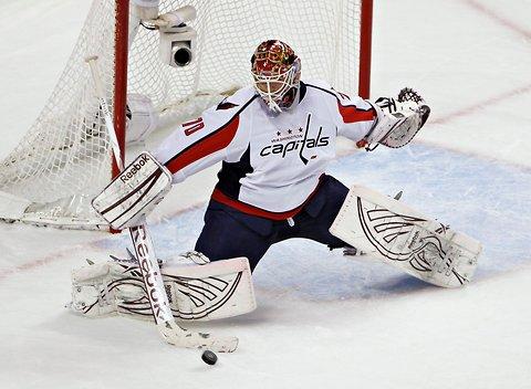 Washington Captials goaltender, Braden Holtby, makes a save.