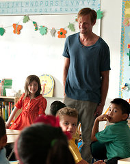 """Mr. Skarsgard with Onata Aprile in """"What Maisie Knew."""""""