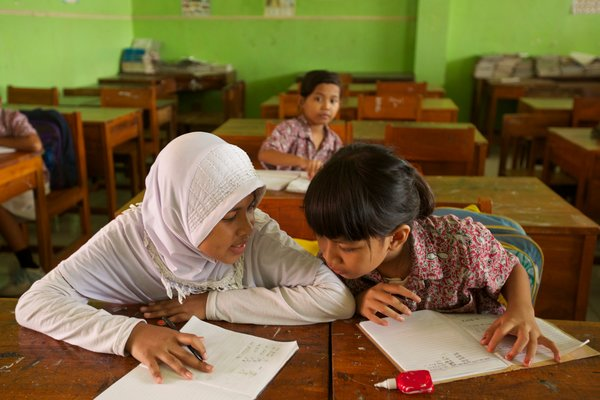 teaching religions in public school essay Owing to our nation's great diversity and distinct constitutional foundations, the interelation between religion and public schools has long been a.