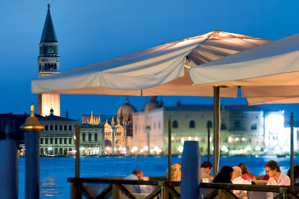 Cips Club is a short boat ride away from Hotel Cipriani.
