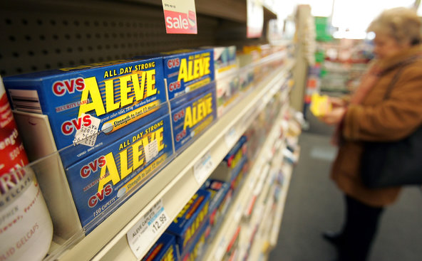 Naproxen, sold as Aleve and other brands, is one of the safest pain relievers, according to a new analysis.