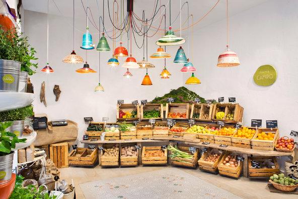 Pārtikas veikali ne vienmēr atmosfēras ziņā spēj sacensties ar tirdziņiem