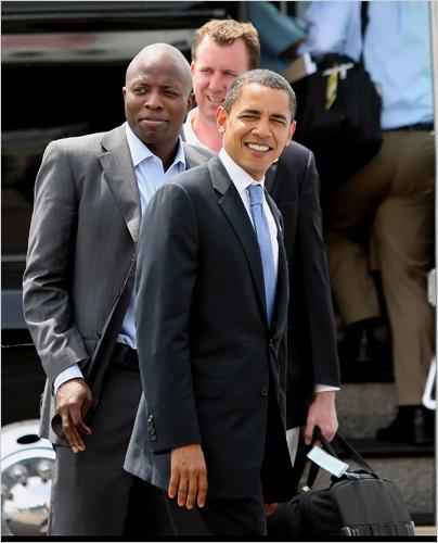 she so ghetto Reggie Love Senator Barack Obama walking
