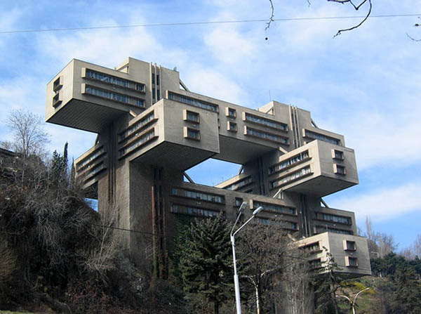 Buildings That Are Weird And Amazing At The Same Time (5)