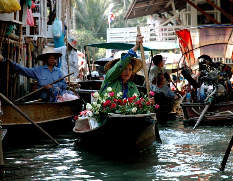 Images Of Markets On Boats In Southeast Asia (7)